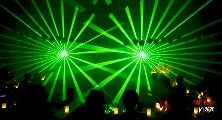 Am Freitag präsentierte ich eine #Lasershow als Höhepunkt einer #Hochzeit. Da der Abstand zum Publikum sehr klein war, s...