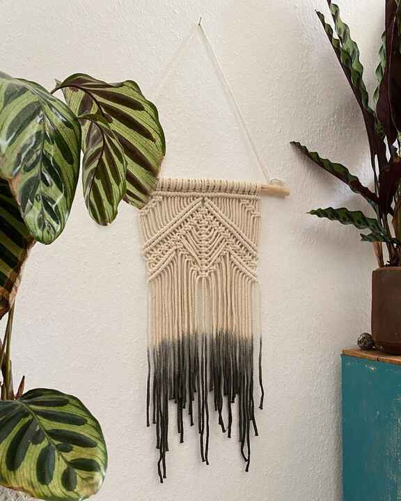 Starting today I'm selling the Macrame wall decoration I make in my online shop! Help me pay my rent in this weird time ...